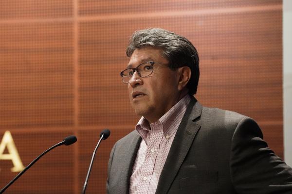 El coordinador de la Junta de Coordinación Política del Senado, Ricardo Monreal Ávila, descartó que el Senado avalará la ampliación de mandato en el gobierno de Baja California. Foto: Notimex