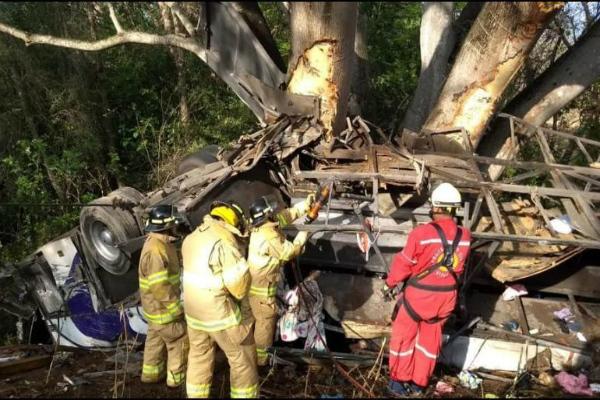 Accidente vial deja a 15 personas muertas en Nayarit. Foto: especial