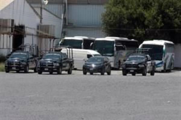Trasladan a migrantes confinados en Veracruz. Foto: especial