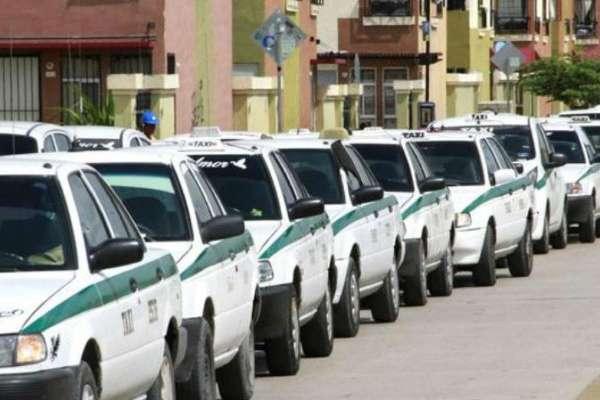El gobernador dijo que en los taxistas están sus principales aliados. Foto: Especial