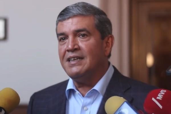 Manuel González señaló que regularmente lleva de tres a cinco días el proceso legal migratorio. Foto: Especial