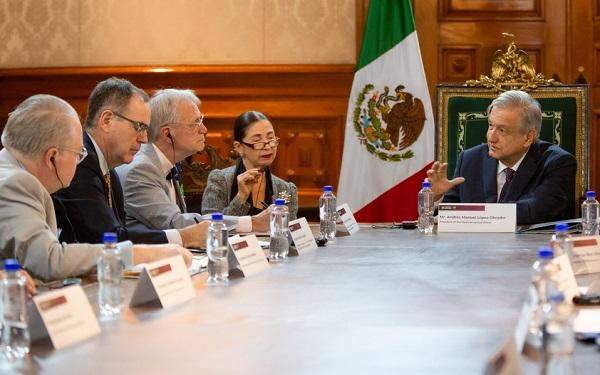 la visita de la delegación estadunidense terminó la noche del viernes con una cena de trabajo encabezada por Ebrard, la cual tuvo como objeto revisar con autoridades mexicanas diversos aspectos de la agenda bilateral, así como el proceso de ratificación del T-MEC. Foto: Especial