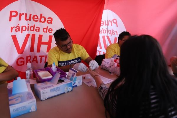 Caleb Cienfuegos Rascón, secretario de Salud del Estado, afirmó que actualmente se cuenta con un abasto de medicamentos para VIH de 85%, los cuales se estima duren hasta el mes septiembre. Foto: Cuatoscuro