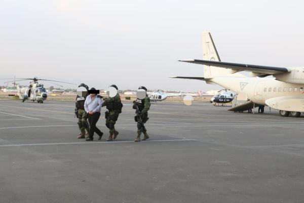 Contra Óscar Omar Treviño Morales, El Z42,  existían 11 órdenes de aprehensión y una orden de detención provisional con fines de extradición a Estados Unidos. Foto: FGR