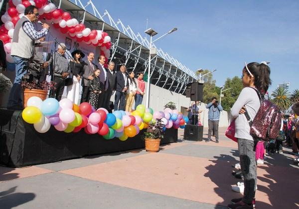PROPIO. Autoridades reinauguraron el centro deportivo de Magdalena Mixhuca. Foto: CUARTOSCURO