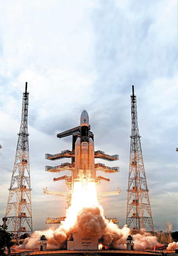 NAVE. El lanzamiento del Chandrayaan-2 fue a las 14:43 hora local. Foto: AP