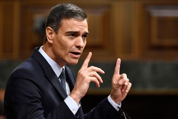 RESPALDO. Pedro Sánchez obtuvo ayer sólo 123 sufragios de los diputados. Foto: AFP