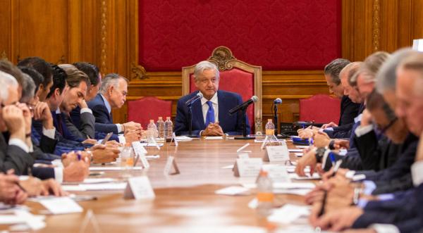 LOGRO. El jefe del Ejecutivo y los banqueros acordaron detonar proyectos productivos en el país. Foto: Especial.