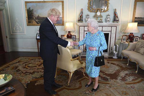 Boris Johnson Reino Unido Reina Isabel