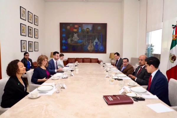 Delegaciones de EU y México se reunen para hablar temas de migración