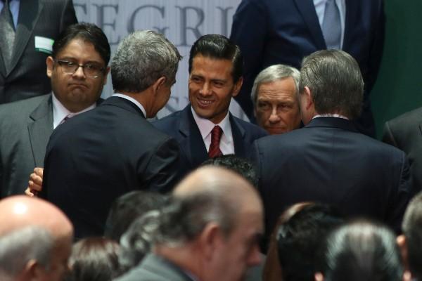Desaparición de estudiantes y Casa Blanca marcaron la caída de EPN: Roberto Rock