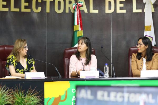 Martha Mercado en el Tribunal Electoral de la CDMX