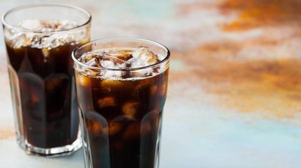Debido a su alto contenido de azúcar, causa insomnio. Por esta razón, no se recomienda beber refresco, ni comer postres antes de ir a la cama Foto: Especial