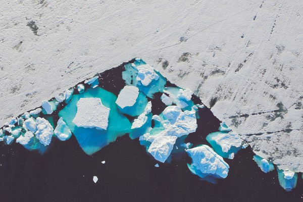 Alerta. El hielo de Groenlandia se ha estado derritiendo con rapidez en las últimas semanas. Foto: Revters