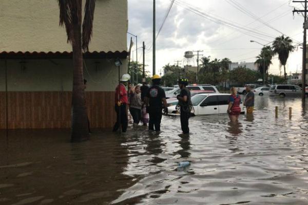 Luego de las fuertes lluvias registradas este sábado en el puerto. Foto: Especial.