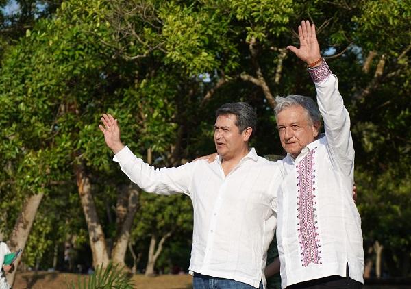 Andrés Manuel López Obrador, Presidente de México y Juan Orlando Hernández Alvarado, Presidente de Honduras, en el acto Plan de Desarrollo Integral.  Foto: Cuartoscuro