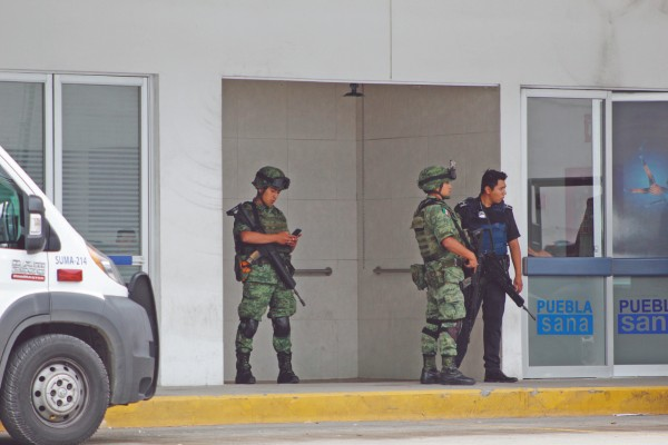 GUARDIA. Elementos de la GN y Policía Estatal custodian a Genaro N. en el hospital de la capital. Foto: Enfoque