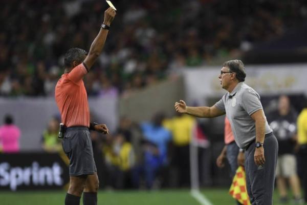 SANCIÓN. Martino no podrá dirigir ante Haití por acumular dos tarjetas amarillas. Foto: Mexsport