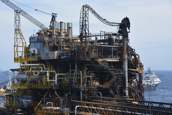 El análisis señala que actualmente hay 398 mil personas ocupadas en la industria extractiva y de electricidad. Foto: Cuartoscuro