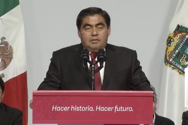 Miguel-Barbosa-gobernador-d-ePuebla-primer-mensajej.pg_
