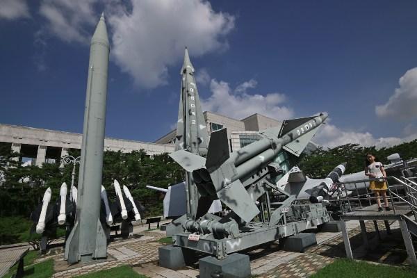 Los misiles disparados en este último ensayo no alcanzaron aguas territoriales niponas. Foto: AFP