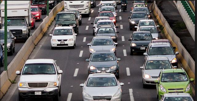Autos circulando sobre algún eje vial. FOTO: Especial.