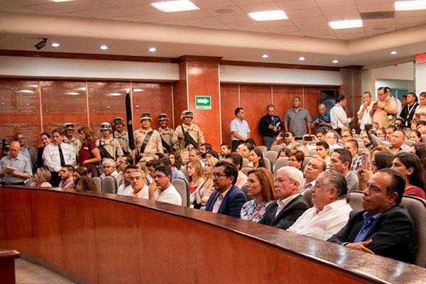 Propone_Jaime_Bonilla_innovar_relación_Congreso_-BC