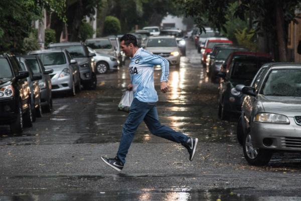 Se espera caída de lluvia la noche de este sábado. Foto: Especial.
