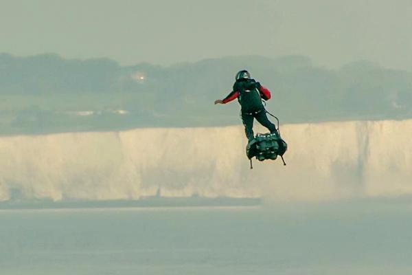 Franky Zapata tabla voladora Canal de la Mancha