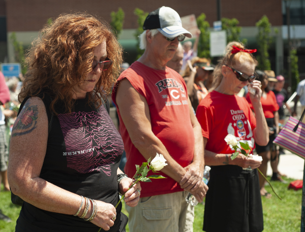 Tragedia. Ciudadanos de Ohio hicieron oración por las nueve víctimas de Connor Betts. Foto: AFP