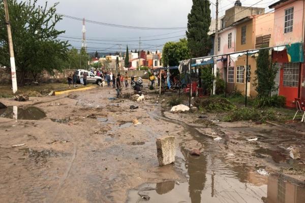 Pablo Lemus Navarro, presidente municipal de Zapopan, Jalisco, pidió a os habitantes de la exVilla Maicera conservar la calma y atender indicaciones de autoridades. Foto: Cortesía