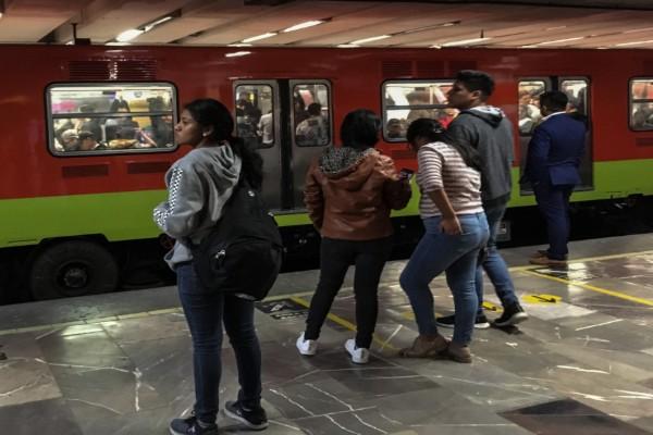 La línea 7 del Metro presentó varios problemas este lunes 5 de agosto