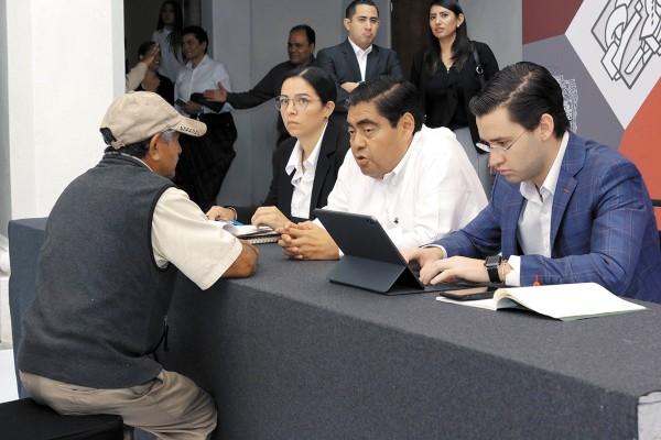 PLAN. El gobernador busca la cercanía con los habitantes del estado y generar así confianza. Foto: Enfoque.