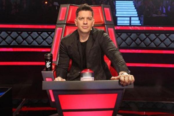 Yahir llega al zócalo capitalino en los viernes de karaoke