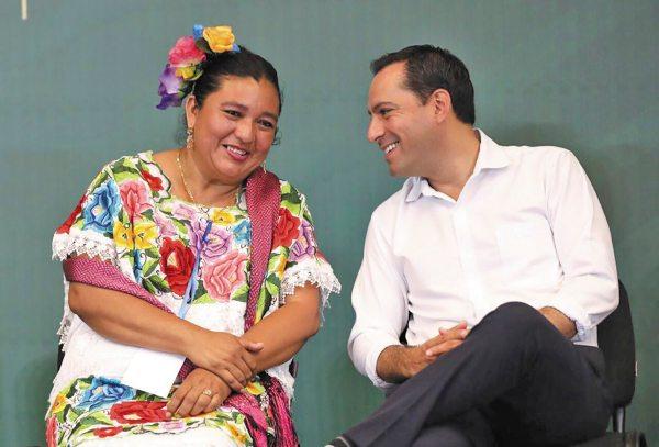 FORO. Mauricio Vila garantizó el respeto a los derechos de la mujer. Foto:  Especial.