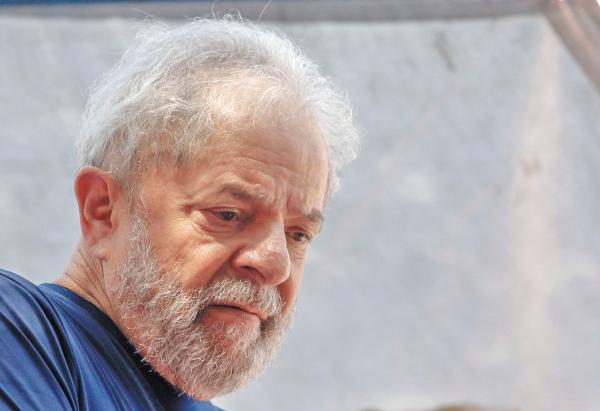 PRISIÓN. Lula está en instalaciones de la Policía Federal. Foto: AFP