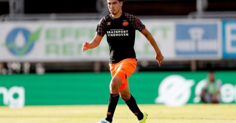 Hoy contra el cuadro noruego, el mediocampista mexicano Erick Gutiérrez fue titular en el esquema del técnico Mark van Bommel. Foto Twitter @PSV