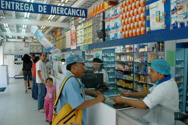 Inseguridad en Michoacán y Guerrero dificulta abastecimientos de medicamentos: Juvenal Becerra