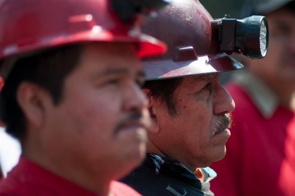 FOTO ILUSTRATIVA Integrantes del Sindicato Nacional de Trabajadores Mineros Metalúrgicos Siderúrgicos FOTO: DIEGO SIMÓN SÁNCHEZ /CUARTOSCURO.COM