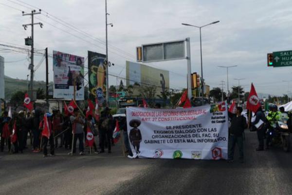 """Pidió a la ciudadanía """"resistir"""" como lo hizo con los bloqueos en desabasto de combustible, pues está combatiendo la corrupción. Foto: Especial."""