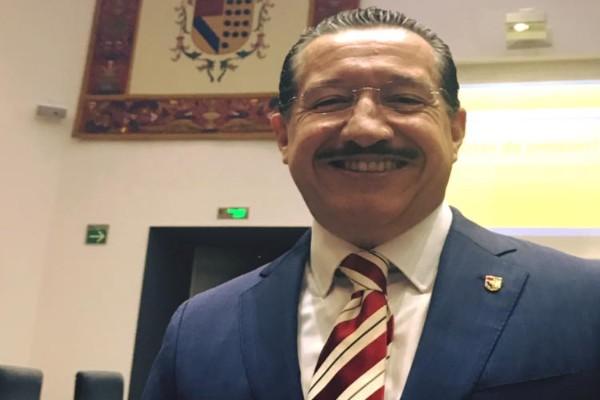 El ex gobernador priista de Nayarit, Ney González no pudo votar en las elecciones del PRI