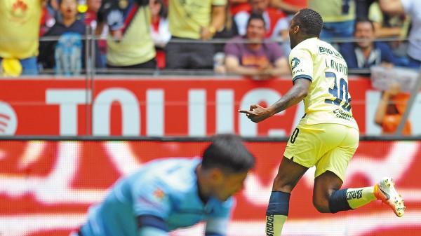 CONTUNDENTE. Renato Ibarra fue el héroe de los azulcremas al anotar en un contragolpe. Foto: Mexsport