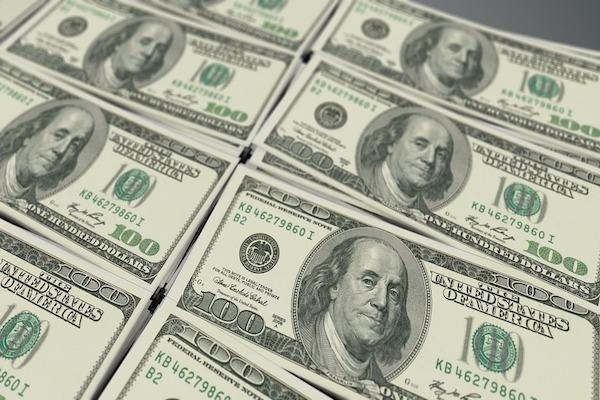 El peso se vende hasta en 60 pesos en Argentina. FOTO: CUARTOSCURO