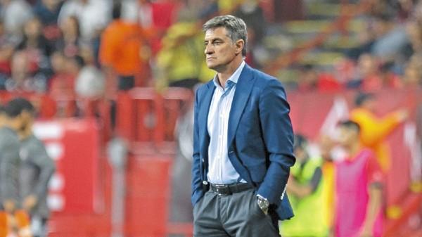 ALTIBAJOS. Míchel, técnico de Pumas, asumió su molestia. Foto: Mexsport