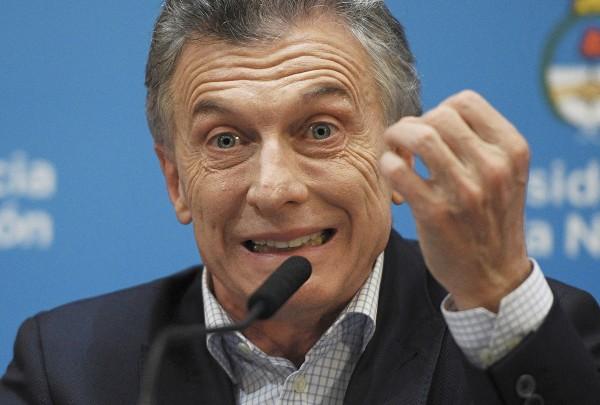 DERROTADO. El presidente argentino, Mauricio Macri, sufrió fuerte revés de cara a su reelección. Foto: AFP
