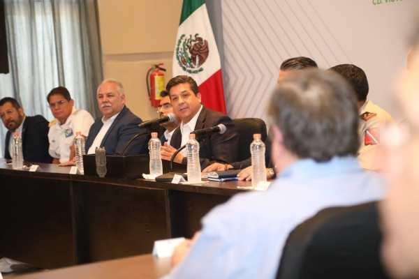 El gobernador Francisco García Cabeza de Vaca, clausuró los trabajos del Taller de Seguridad Ciudadana. Foto: Especial