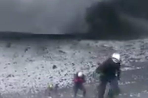 La acción de los excursionistas violó el radio de seguridad de exclusión alrededor del Popocatépetl, la cual consta de 12 kilómetros. Foto: Twitter