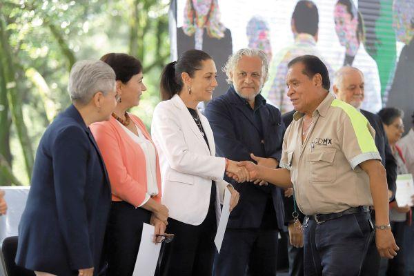 ORGULLO. Sheinbaum asistió al reconocimiento del Bosque de Chapultepec como mejor parque urbano por Large Urban Parks Gold. Foto: Víctor Gahbler.