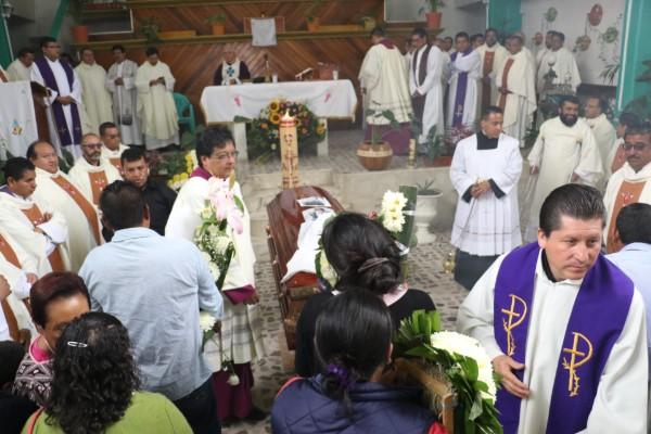 Falso sacerdote en Tampico tiene su propio santuario