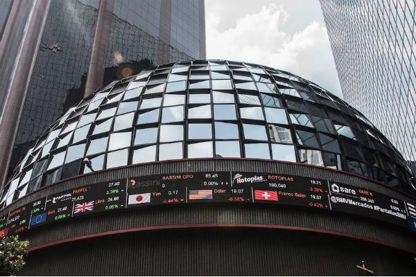 Mientras que en Estados Unidos, el Dow Jones cayó 3.05 por ciento. Foto: Especial.